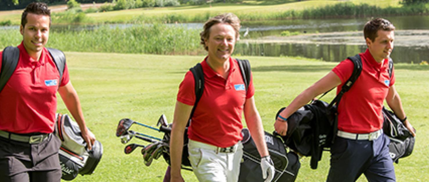 Frits Sissing met 2 golfers op golfveld