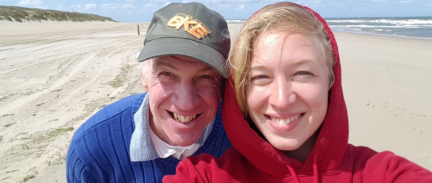 Ted en Loes op het strand