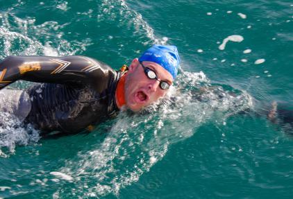 Samen zwemmen tegen kanker