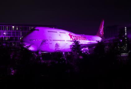Start borstkankermaand: Corendon kleurt gehele borstkankermaand vliegtuig roze